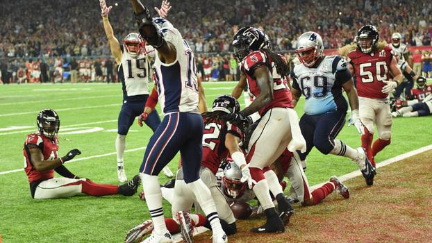 d45ae690e81fc O touchdown de White foi o ponto final na virada do Super Bowl LI