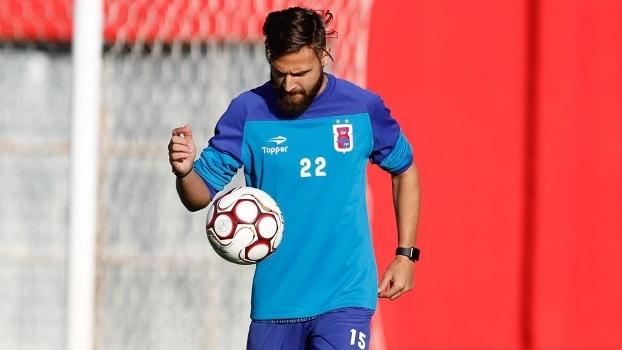 Jogador Jonas Pessalli, ex-Grêmio, morre em acidente de trânsito