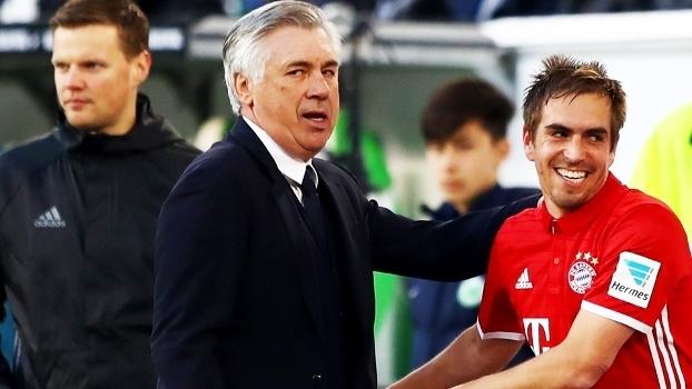 Carlo Ancelotti Lahm Comemoram Bayern Wolfsburg Campeonato Alemão 29/04/2017