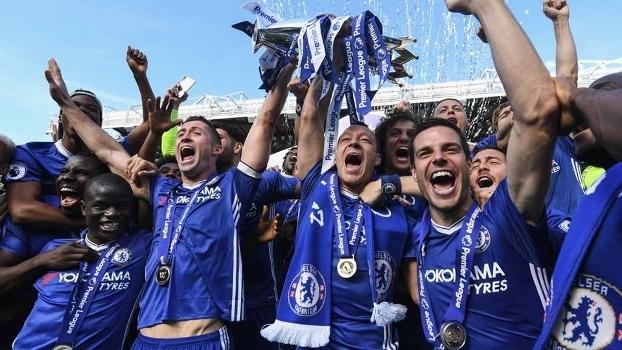 Oscar explica saída do Chelsea e revela se voltaria à Premier League