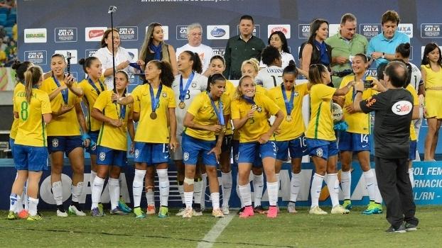 Brasil vira sobre o Canadá e conquista o hexa no Torneio Internacional de futebol feminino - ESPN