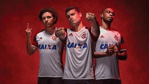 Flamengo lança camisa 2 inspirada no título mundial de 81  veja - ESPN 3657862c1f38d
