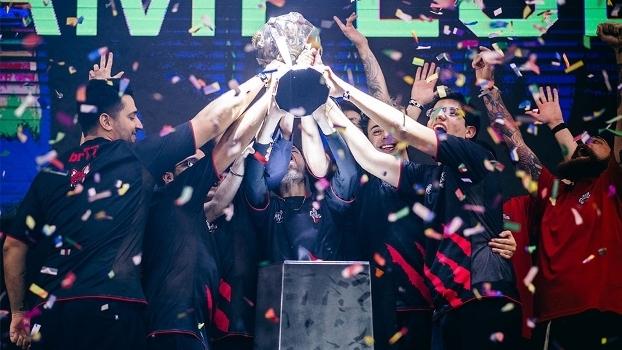Red Canids ergue o troféu após vitória de 3 a 0 contra a Keyd Stars no CBLoL 2017
