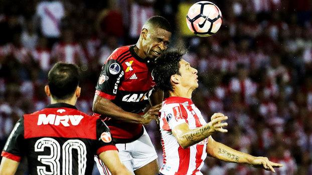 Juan teve grandes atuações contra o Junior-COL na semi da Sul-Americana