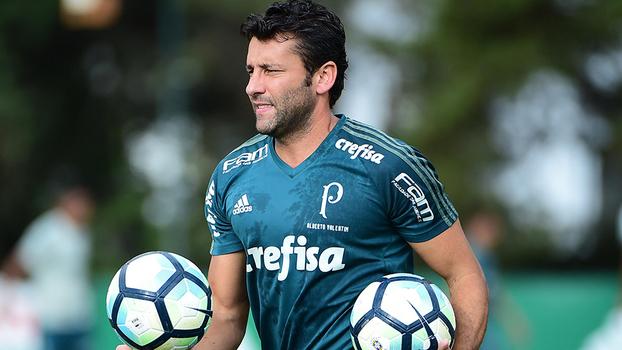 Cuca deixa o cargo de técnico do Palmeiras