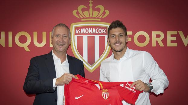 Monaco oficializa contratação de Jovetic