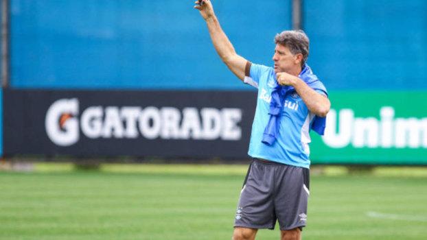 Grêmio treina forte para encarar o Flamengo neste domingo