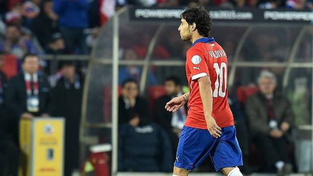 Valdivia saiu bravo de campo contra a Argentina