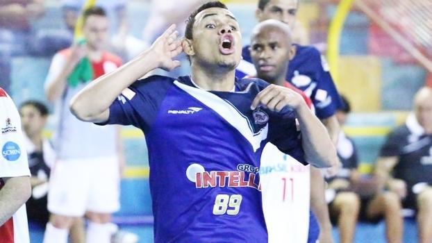 Dieguinho Comemora Gol Intelli Orlandia Liga Futsal 3e34f6cba02d4