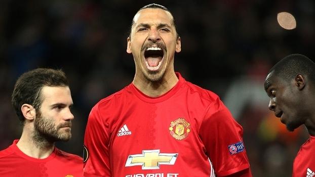 Zlatan Ibrahimovic marcou os três gols da vitória do Manchester United sobre o Saint-Étienne