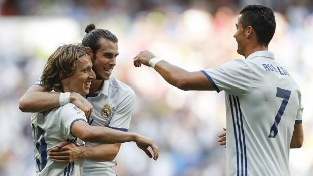 Luka Modric, Gareth Bale, Cristiano Ronaldo são três dos 16 jogadores de seleção no Real Madrid