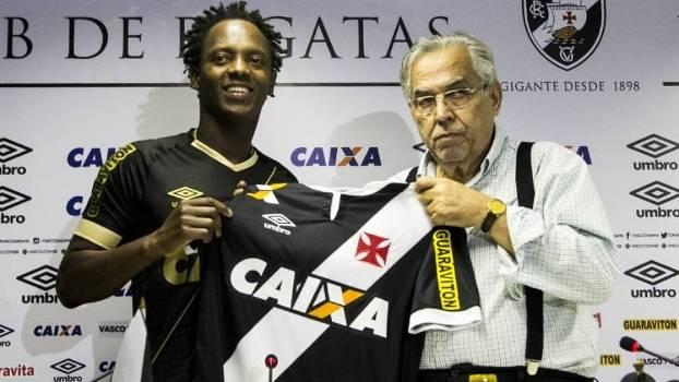 O meia Andrezinho foi apresentado por Eurico Miranda como reforço do Vasco