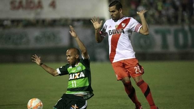 A Chapecoense acabou eliminada pelo River Plate nesta quarta-feira
