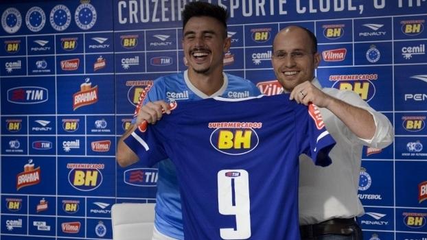 Willian realiza sonho do pai e vestirá a camisa 9 do Cruzeiro em ... 09a7ab315d822