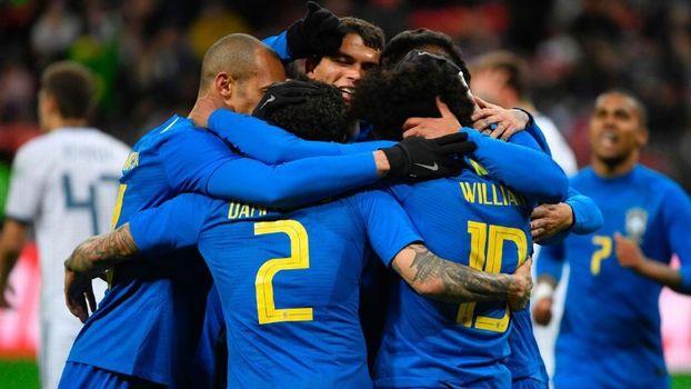 a264a7c7645ff Brasil comemora um dos gols da vitória sobre a Rússia ALEXANDER  NEMENOV AFP Getty