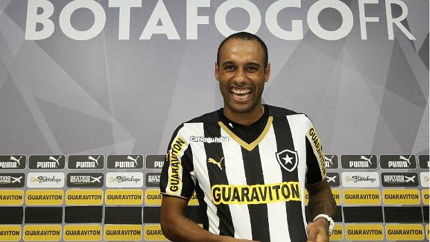 2b9e76ac9dd69 O atacante Bruno Correa foi apresentado pelo Botafogo nesta terça