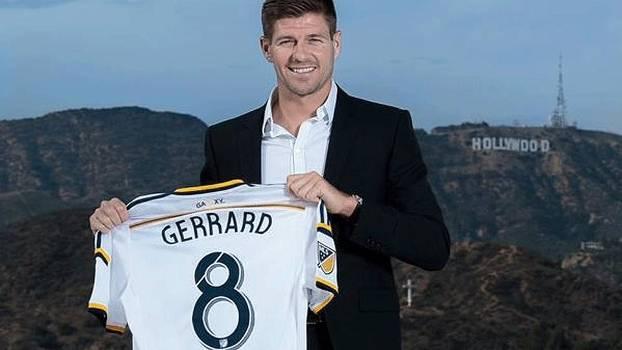 Gerrard banca  bebedeira  de torcedores do Galaxy antes do jogo ... 4628b77430d57