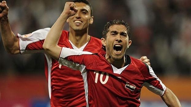 A guerra da Síria acabou com a amizade entre Firas al-Khatib (dir.) e Abdulrazak al-Hussein. Khatib boicotou a seleção; Hussein se tornou capitão