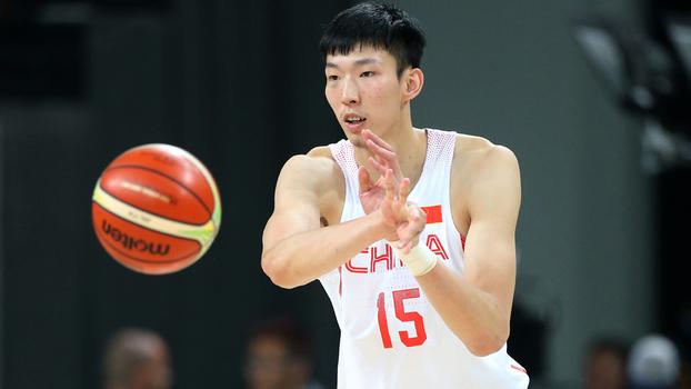 Zhou Qi em ação pela China na Olimpíada do Rio: pivô está a caminho do Houston Rockets