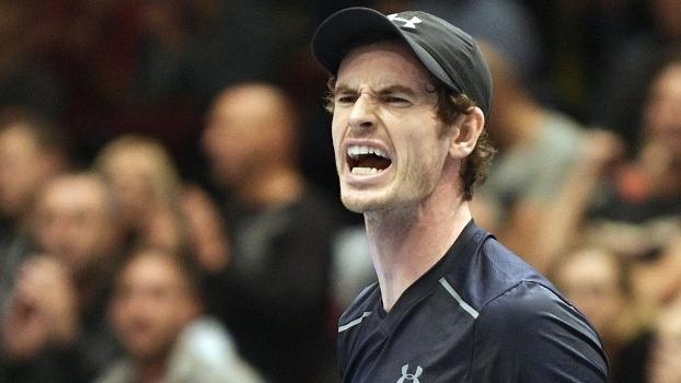 Murray estrou sofrendo, mas vencendo em Viena