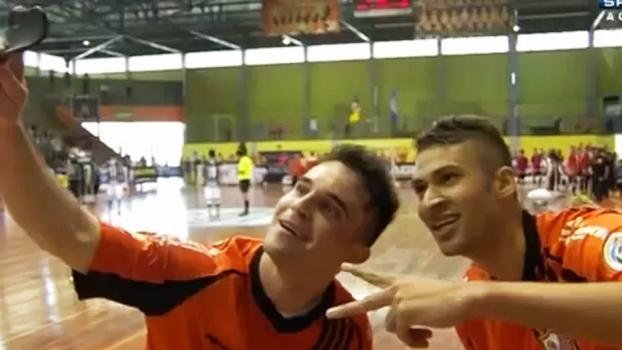 a9c67d9331a58 Zico Selfie Carlos Barbosa Corinthians Liga Futsal 02 11 2014