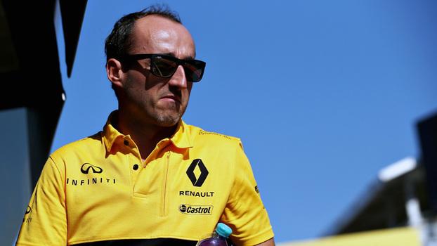 Kubica celebra volta às pistas em treino coletivo da F1