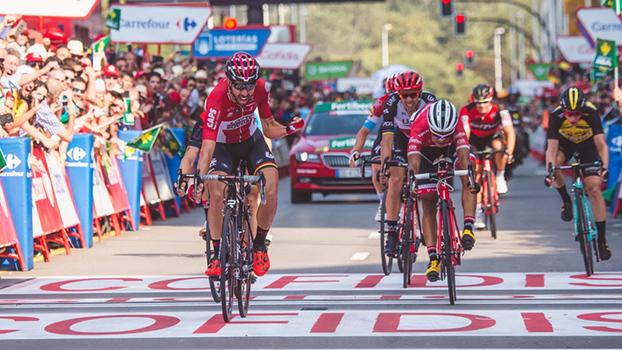Vuelta: Tomas de Gendt bate Rui Costa na chegada a Gijón