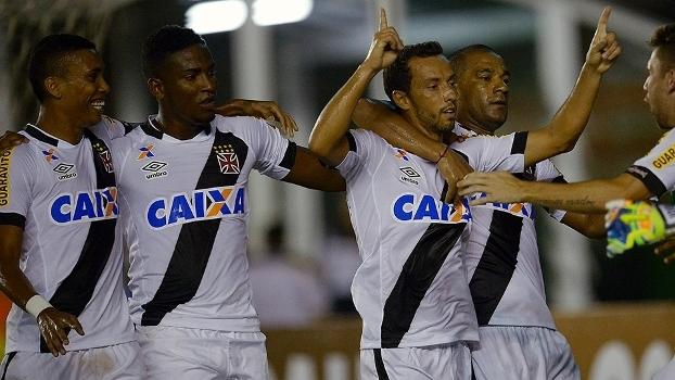 Nenê comemora seu gol na terceira vitória no Campeonato Carioca