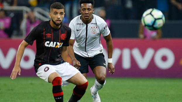 Corinthians confirma lesão de zagueiro Pablo