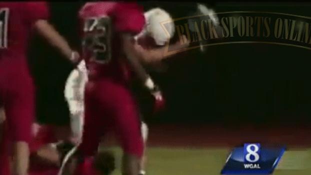 Jogador acerta adversário com capacete no futebol americano universitário  fbfbac4127c03