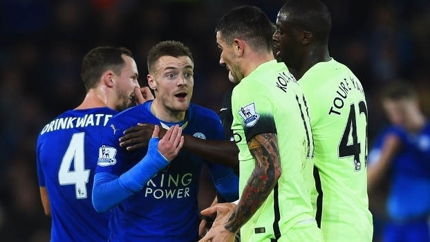 Leicester e City empataram, e o Arsenal termina 2015 como líder da Premier League