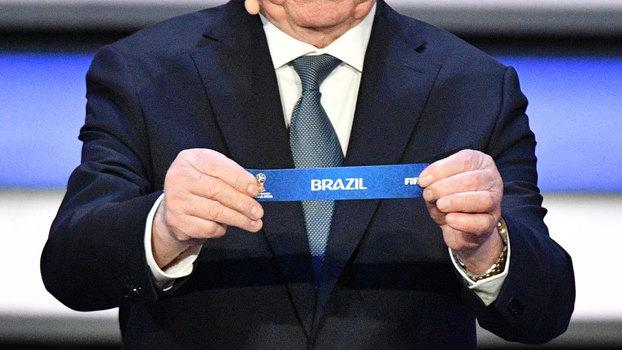 7ff95edcc3 Estádio da estreia do Brasil foi oficialmente entregue... mas não está  pronto