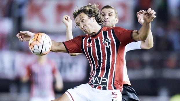 3f800b50a0 Lugano afirmou que elenco do São Paulo é pequeno para disputar duas  competições importantes ...