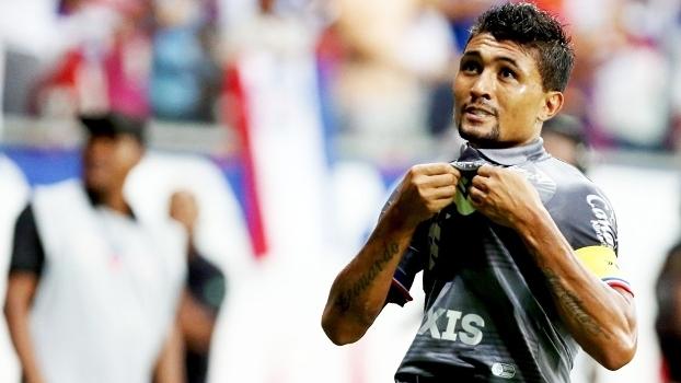 Kieza festeja gol pelo Bahia na última Série B do Brasileiro