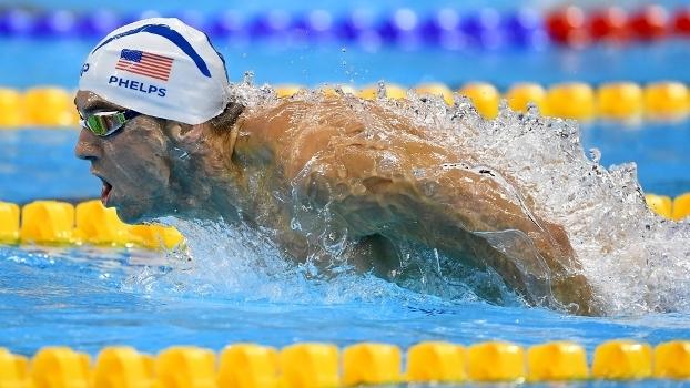 Brasileiros vão às semifinais nos 200m borboleta; Phelps faz 5º melhor tempo