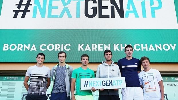 Jovens tenistas participam do lançamento do Next Gen ATP Finals