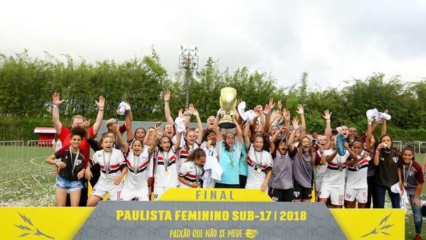 8793ac3369 SPFC Campeão Paulista Feminino Sub-17 2018