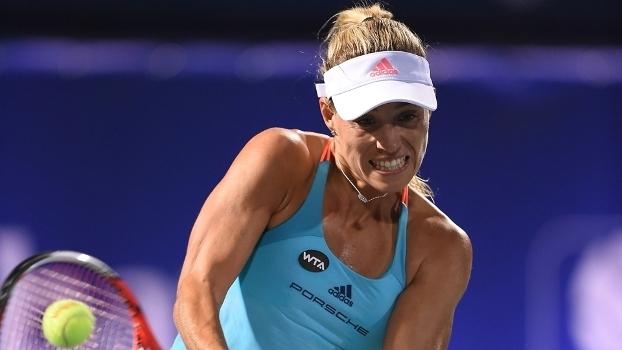 Kerber durante jogo no circuito da WTA
