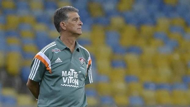 Ricardo Drubscky estreou com vitória no Fluminense, mas adotou cautela