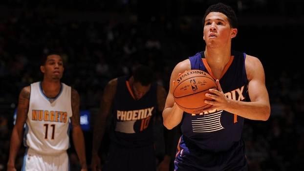 Devin Booker, ala-armador do Phoenix Suns, nascido em 30/10/1996