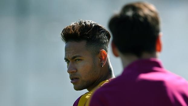 O atacante Neymar durante treino do Barcelona