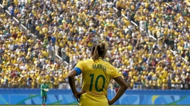 Marta desapontada após derrota do Brasil para o Canadá na briga pelo bronze