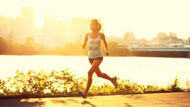 be2865dc3ba A corrida para mulheres pode ser de grande auxílio uma vida mais saudável.  O esporte traz benefícios que melhoram a qualidade de vida da mulheres  (além do ...