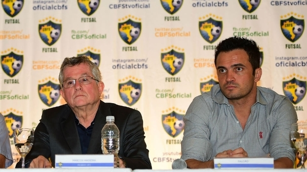 Marcos Madeira (centro) tem o apoio dos atletas e a volta de empresas como 731cb497f777a