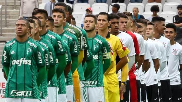 Pescando no vizinho  Palmeiras e Corinthians fazem final no sub-17 com  joias  garimpadas  em rivais 9f50061531c6d