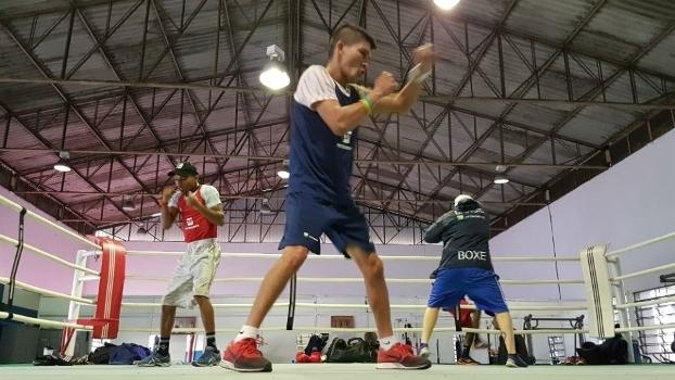 O paraense Julião Neto durante treino de boxe df927f6bec917