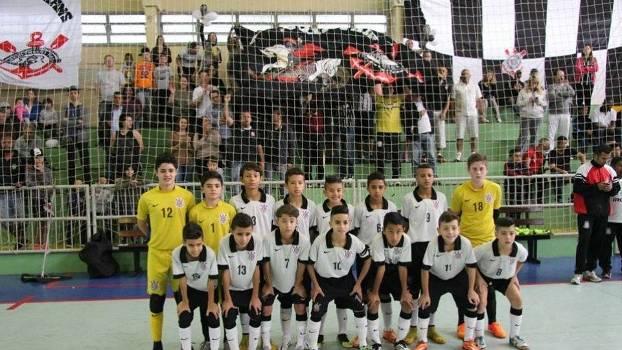 7187adeb91b94 Trocar futsal por campo atormenta crianças nos clubes - ESPN