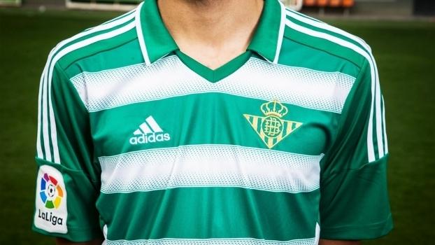 79cd74c9ea Betis homenageia o Celtic em linda nova camisa para 2017