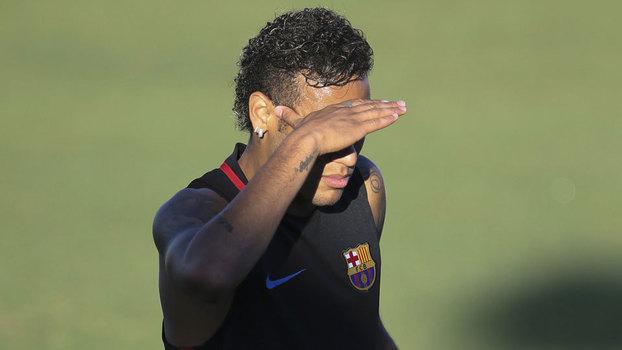 Neymar se irrita com Semedo e abandona treino do Barcelona