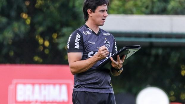 Thiago Larghi em treino pelo Atlético-MG 5a86a5145d675